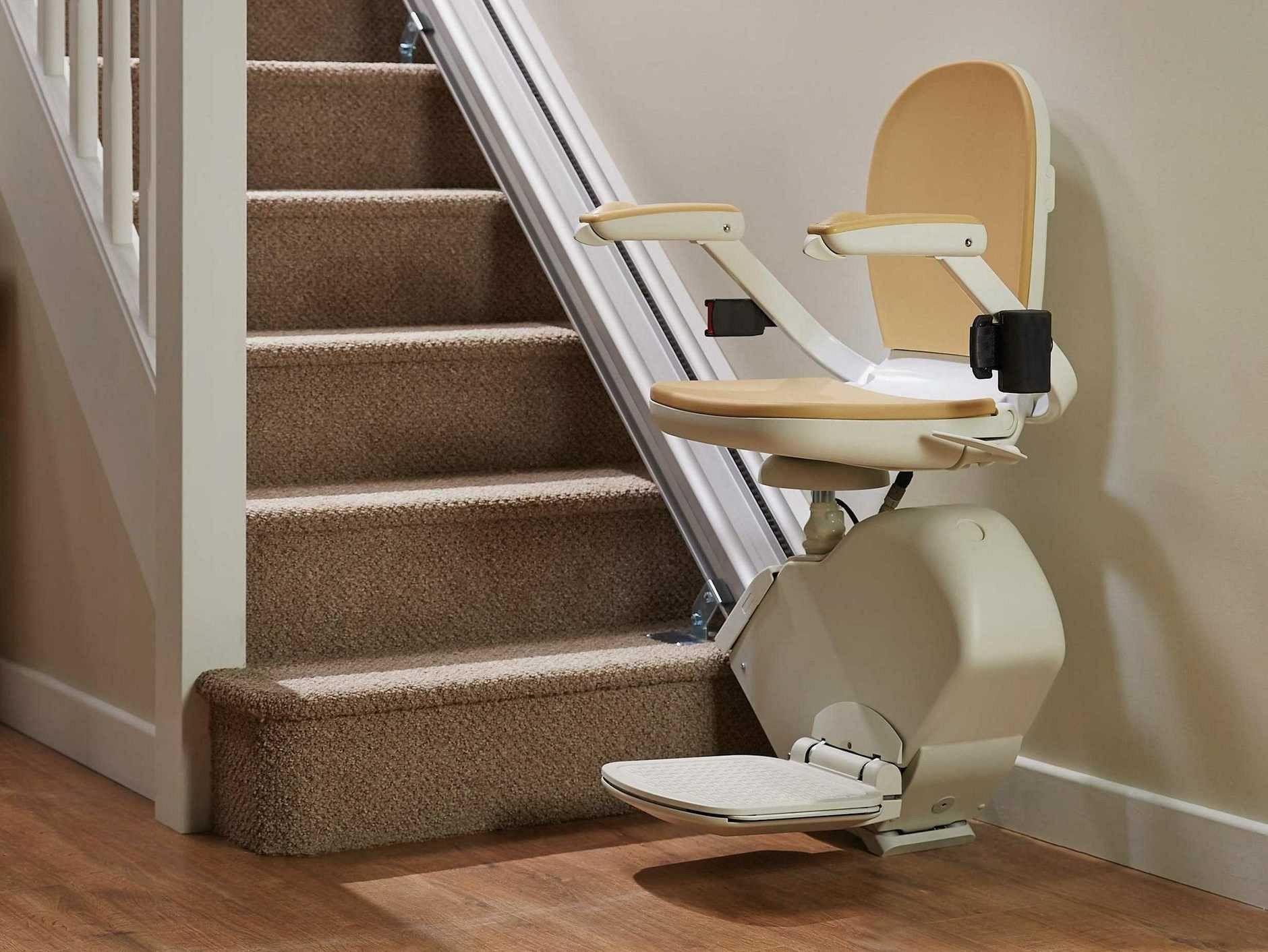 Stopniščni vzpenjalnik - sedež